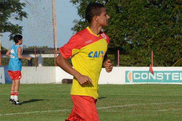 Atacante Adriano Pardal está bem fisicamente e pronto para voltar a vestir a camisa do América