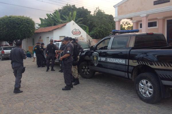 Operação foi deflagrada pelas polícias Civil e Militar na manhã deste quarta-feira