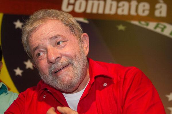 Ex-presidente Lula participou de plenária para tentar contrapor novo ato anti-Dilma