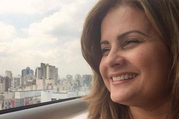 Micarla de Sousa usou sua conta no Facebook para confirmar que está curada de problema cardíaco