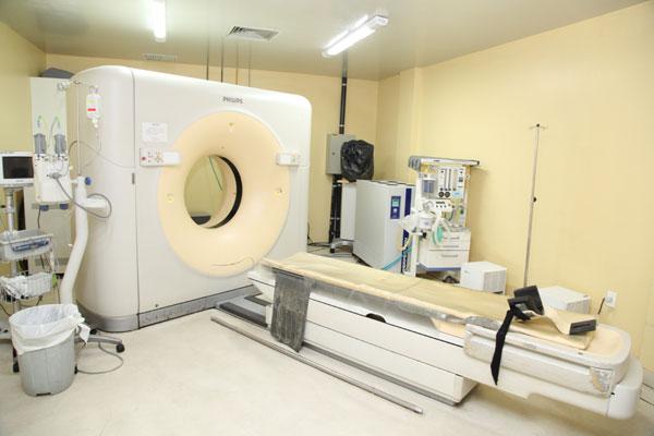 Equipamento faz, por mês, cerca de seis mil tomografias. Quebra ocorreu após queda de energia