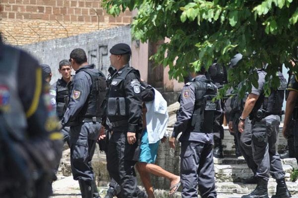 PM reformado Eduardo Baracho foi levado para atendimento psiquiátrico