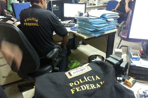 Polícia Federal fez primeiras apreensões de documentos em 2013
