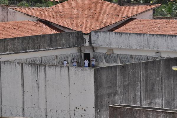 Em 15 dias, 67 apenados fugiram usando um túnel, que liga o pavilhão 2 e a parte de trás do presídio