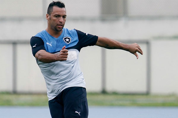 Daniel Carvalho já treinava com o grupo alvinegro