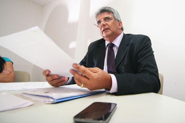 Carlos Castim explicou o projeto de lei aos vereadores de Natal