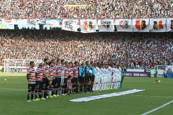 Mais de 40 mil torcedores presenciaram a vitória tricolor no Arruda