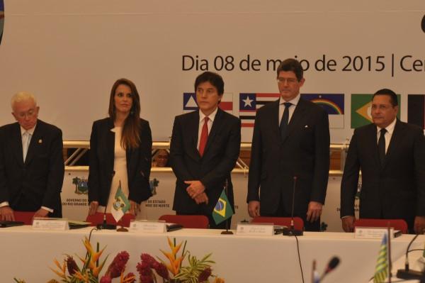 Governador Robinson Faria, ministros Joaquim Levy e Mangabeira Unger estão entre os participantes do encontro