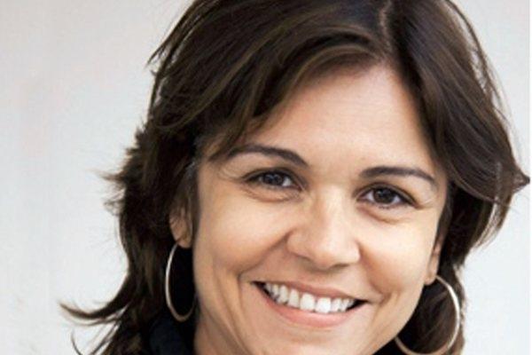 No espetáculo, a história é conduzida pela mãe de Cazuza, Lucinha Araújo, interpretada pela atriz Stella Rodrigues