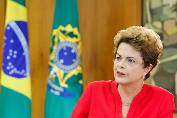 Pesquisa aponta que cerca de 10% dos brasileiros aprovam governo Dilma