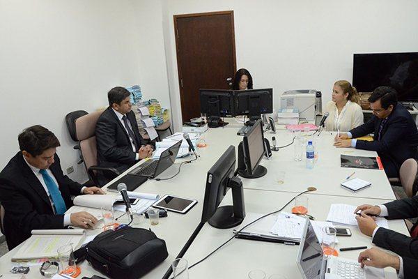 """Ex-prefeira Micarla de Sousa presta depoimento, na Justiça Federal, no processo da """"Assepsia"""""""