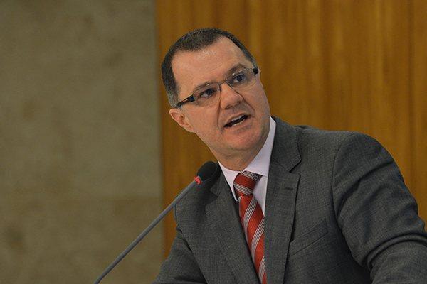 Carlos Gabas teria gastado mais de R$ 46 mil com aluguel de mansão em Brasília, aponta Receita Federal