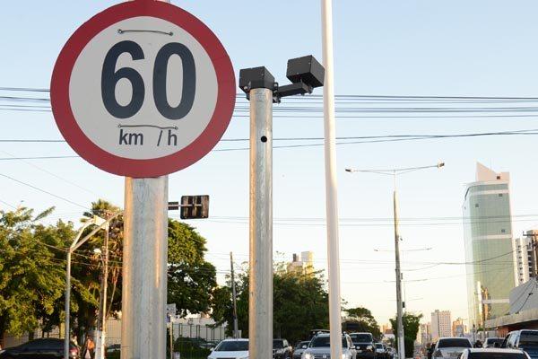 Câmeras começam a multar motoristas a partir de setembro