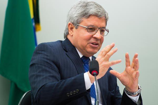 """Presidente do Coaf, Antonio Rodrigues afirma que a instituição apurou """"movimentações atípicas"""""""