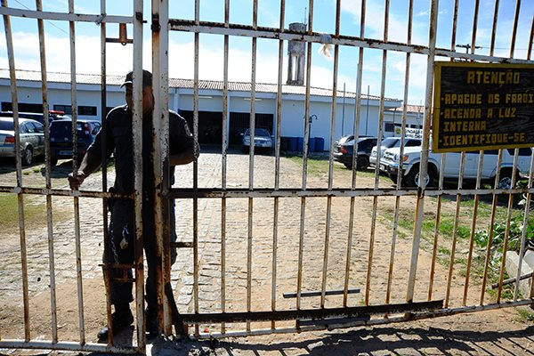 Superlotada, a Penitenciária Estadual de Parnamirim (PEP) é uma das unidades interditadas