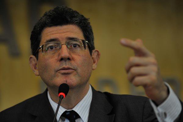 Levy reconhece o momento de incertezas, mas afirma que país vive época de oportunidades