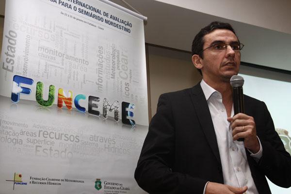 Doutor em engenharia civil e ambiental pela Cornell University (EUA), Eduardo Martins