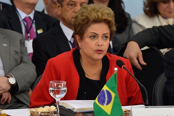 Dilma tem avaliação negativa de quase 71%