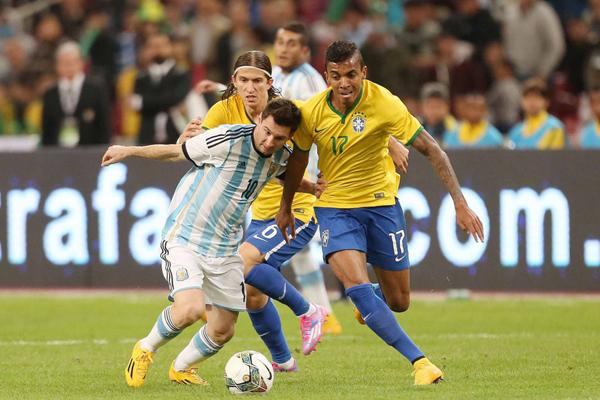 Seleção vai enfrentar a Argentina de Messi na terceira rodada das Eliminatórias, fora de casa