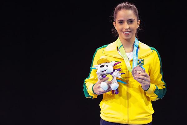 Aline de Paula conquistou o bronze no torneio de karatê do Pan de Toronto