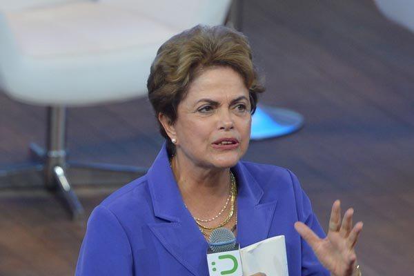 Dilma: uso de rede sociais  e visitas a cidades nordestinas