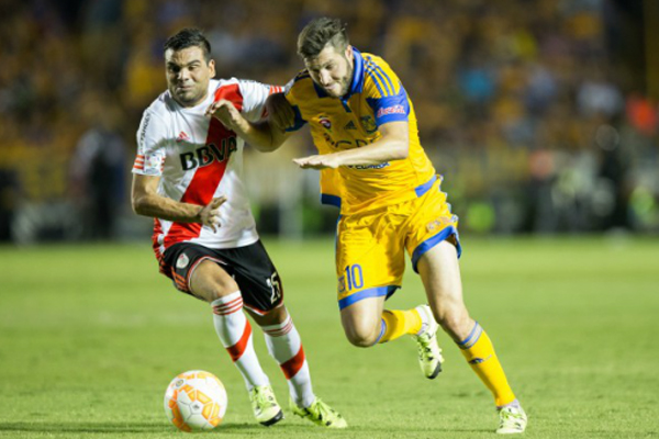 River conseguiu seguir o Tigres, do atacante Gignac, e depende de uma vitória simples para ser campeão da Libertadores
