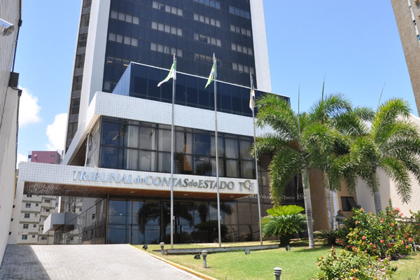 TCE abre vagas para cargos de nível superior