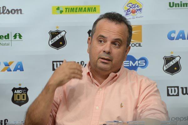 Rogério Marinho representou o ABC na reunião dos clubes