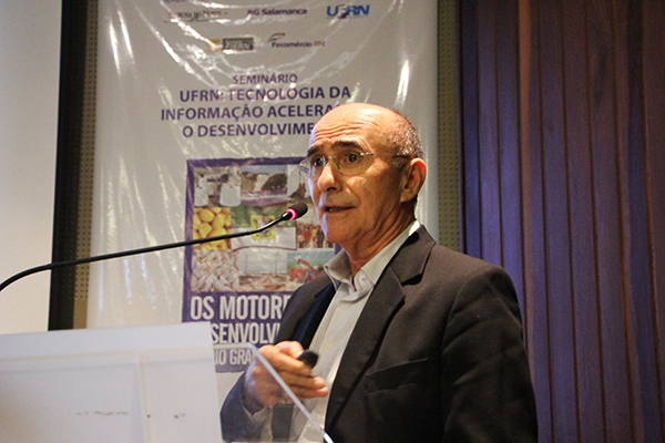 Reitor do IMD, Ivonildo Rêgo, foi um dos palestrantes e debatedores do seminário Motores do Desenvolvimento