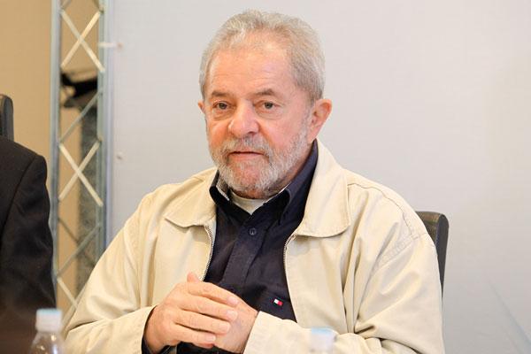 Luiz Inácio Lula da Silva aparece nos autos da Operação Lava Jato