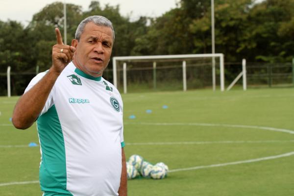 Hélio dos Anjos comandou o Goiás no início da Série A deste ano