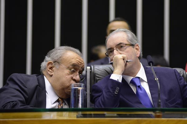 Eduardo Cunha avisou que não deixará a presidência da Câmara, mesmo com a denuncia formalizada