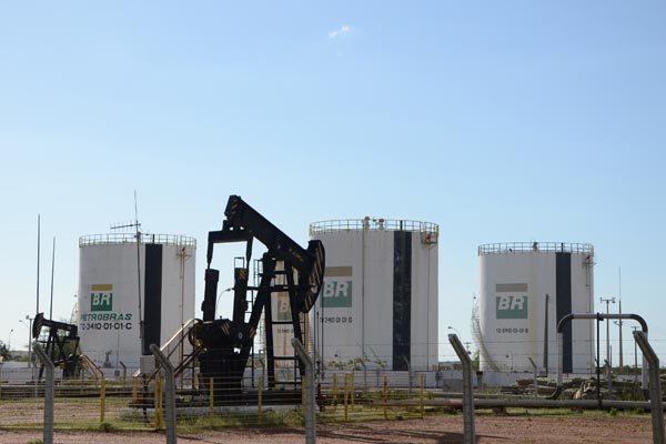 A solução para reverter a queda de produção de gás, segundo entidades, seria revitalização total da atividade: Rodada de licitação com blocos em terra pode ajudar