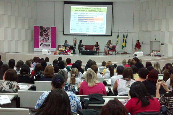 Evento realizado no Cemure discute o hábito da leitura entre os potiguares