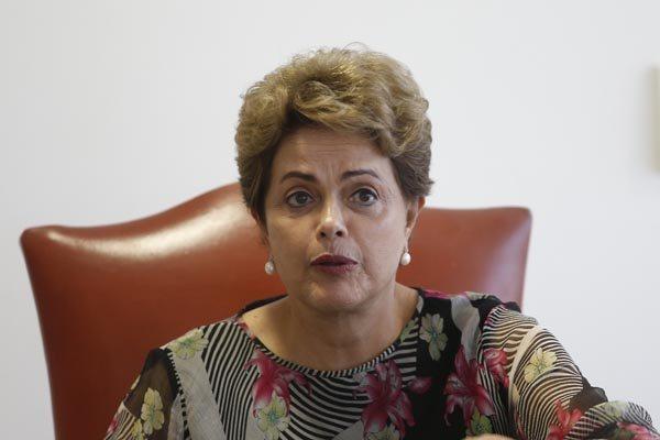 Dilma Rousseff concede entrevista e promete reduzir as nomeações de cargos comissionados