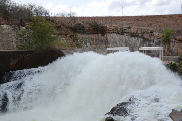 Vazão atual da barragem é de 5 metros cúbicos por segundo