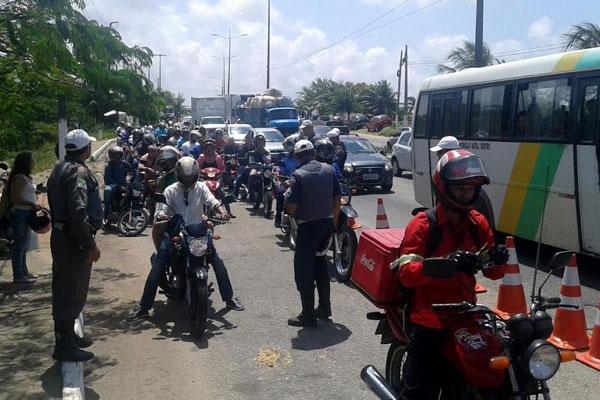 A Operação Motociclo esta sendo realizada pelo CPRE nos pontos com maior fluxo de veículos e horários predeterminados pela unidade