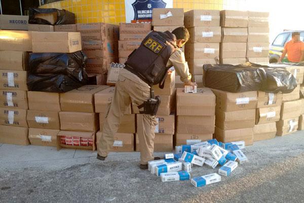 Ao todo, 60 mil maços de cigarro foram apreendidos pela PRF