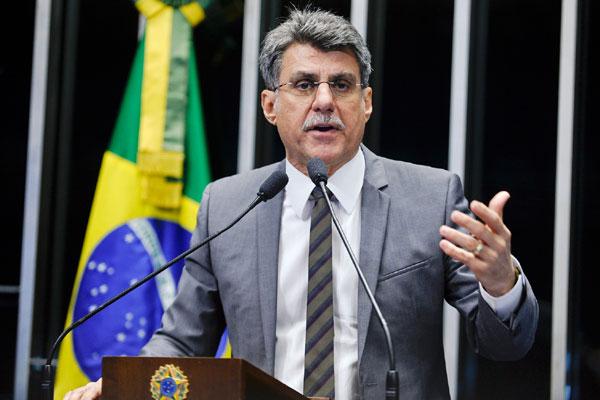 Romero Jucá lembra que regras só valerão para 2016 se proposta for sancionada até o dia 2 de outubro