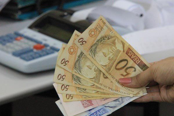 Segundo estudo, 42% dos brasileiros consideram que sua renda diminuiu nos últimos 12 meses