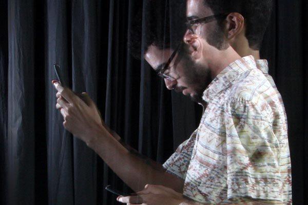 Uso prolongado de smartphones, tablets e notebooks está promovendo o envelhecimento precoce, causando enfermidades na visão, audição, pescoço e até no cérebro
