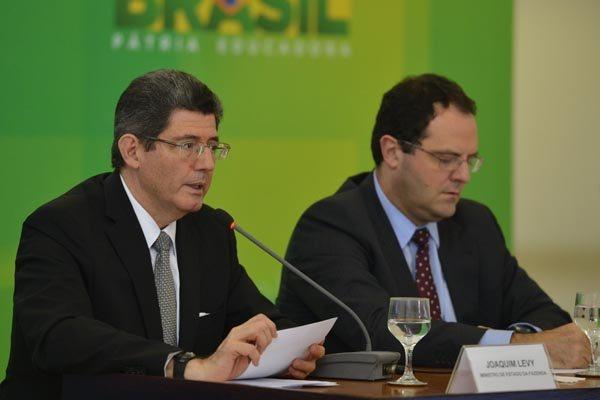 Joaquim Levy e Nélson Barbosa detalham pacote do governo sobre cortes de gastos e medidas para arrecadar R$ 32 bilhões