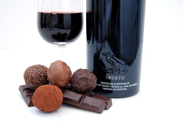 O vinho do porto é uma das soluções para dialogar com doces e chocolates