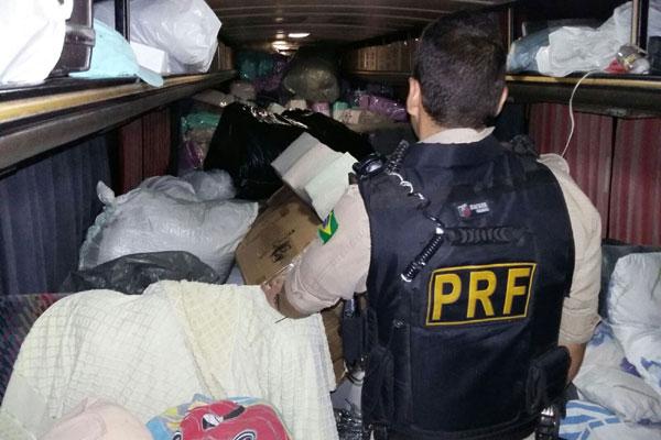 Na ação, PRF apreendeu 8,35 toneladas de alimentos sem nota