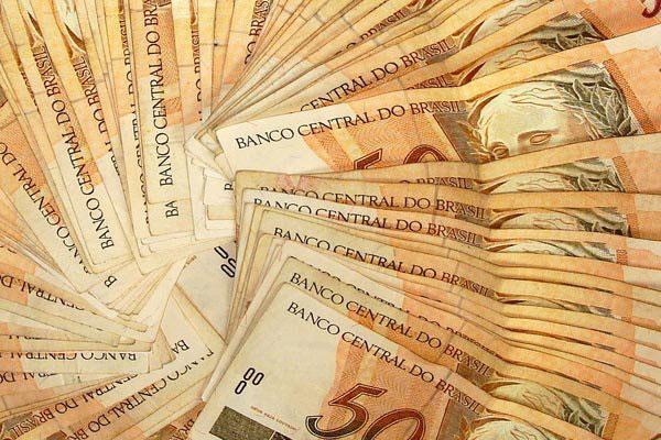 Nos seis primeiros meses deste ano, o deficit orçamentário do Estado já soma R$ 230 milhões