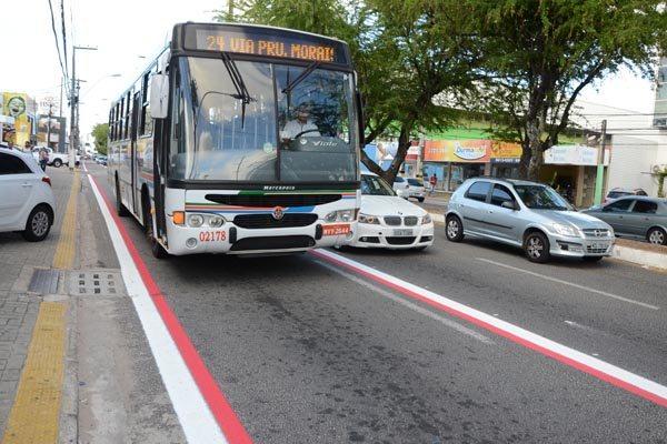 Faixa semiexclusivas para os ônibus urbanos tem impacto positivo no trânsito. Tempo de viagens diminui em até 15 minutos e custos de operações estão menores