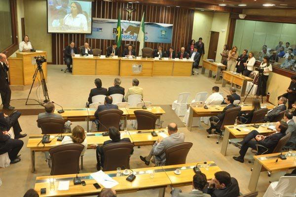 Em Audiência Pública, ontem, o ministro Gilberto Occhi esclareceu a deputados, prefeitos e vereadores os projetos da Transposição