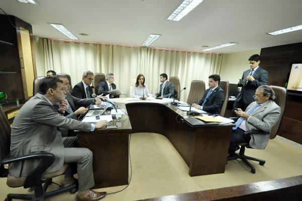 Deputados vão avaliar a constitucionalidade dos projetos enviados pelo governo na Comissão