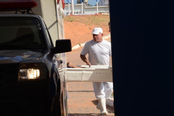 Corpo de presidiário morto em Alcaçuz foi recolhido pelo Itep no início da tarde de ontem