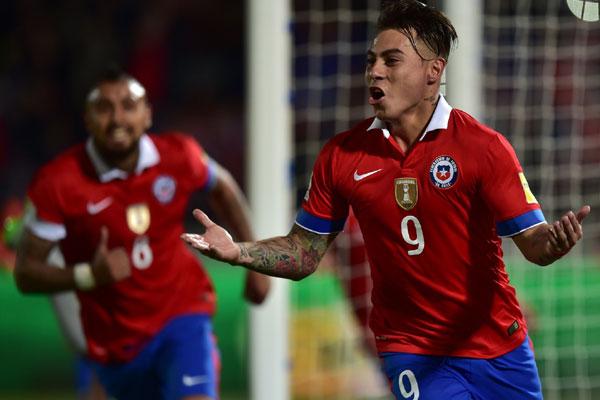 Eduardo Vargas abriu o caminho para a importante vitória dos chilenos, que foram melhores em campo e passaram poucos sustos